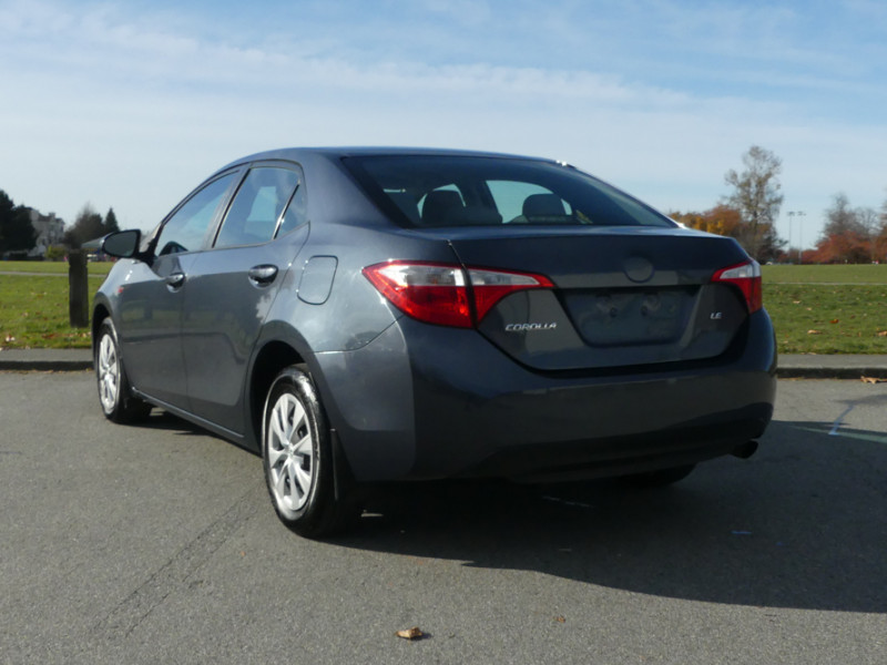 Used 2015 Toyota Corolla 4-door Sedan LE CVTi-S
