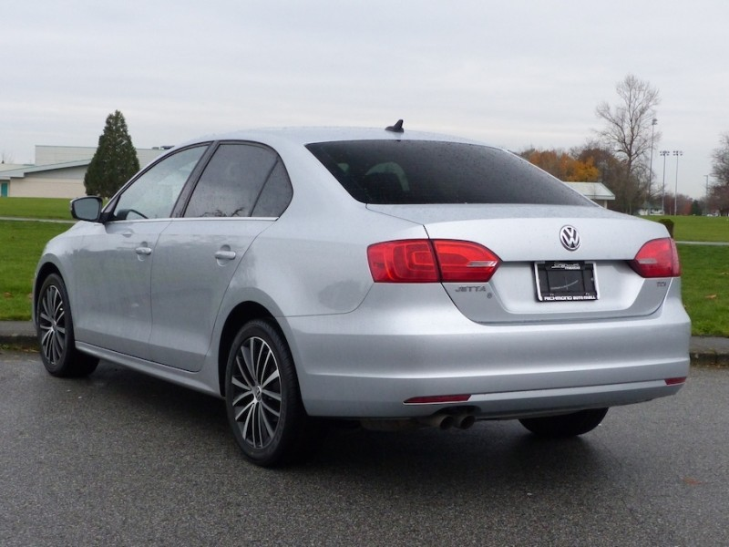 Used 2013 Volkswagen Jetta Highline 2.0 TDI 6sp DSG at Tip